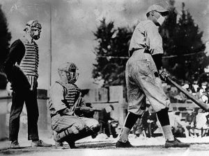 Baseball players wear masks to thwart the spread off the Spanish Flu ii 1918 (courtesy of science.nationalgeographic.com)